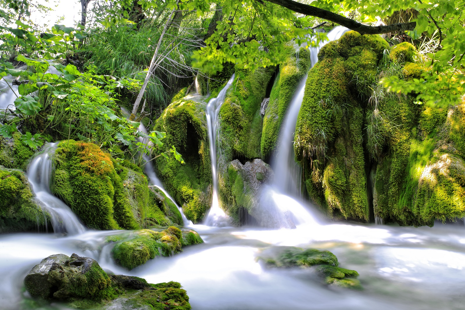 Plitivice Lakes, walking tour National park, hiking, waterfalls, Croatia